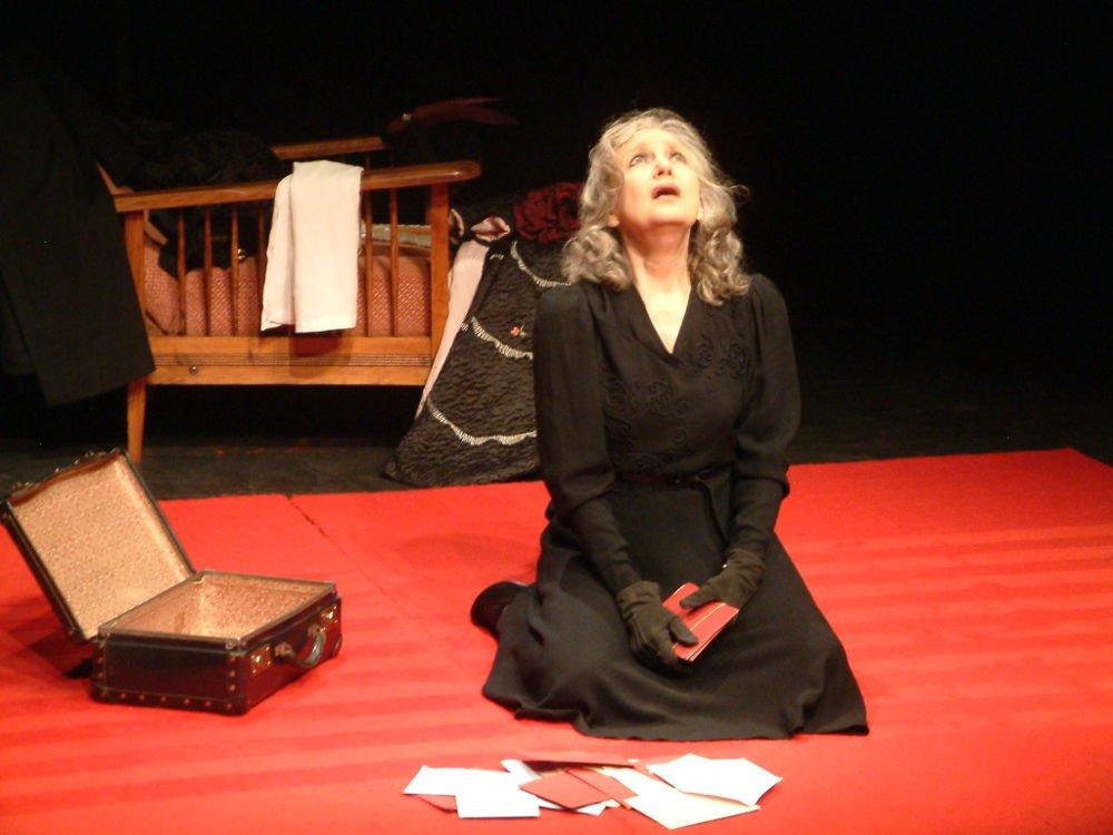 La femme aux mains rouges (2011) Lise Granvelle